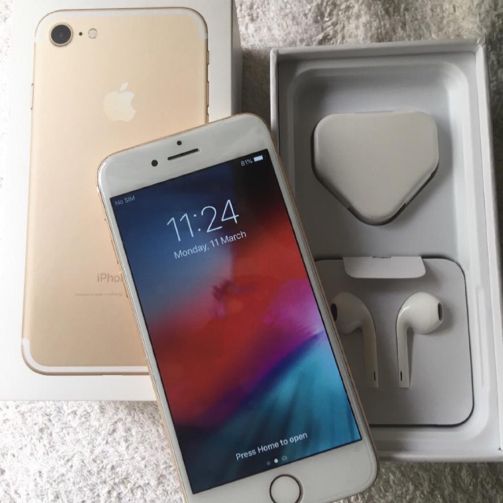 Brand new iphone 7 32gb  No warranty