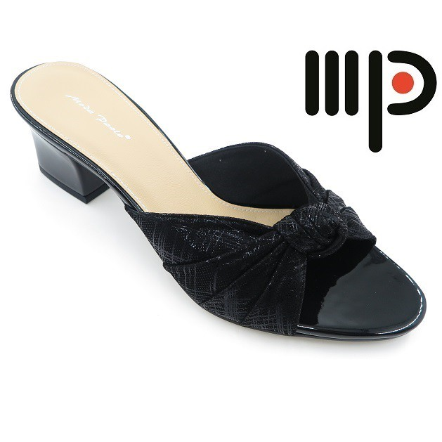 6de776c3a4c2 Pearlyn Diamond Stud Leather Ladies Sandals (Black)