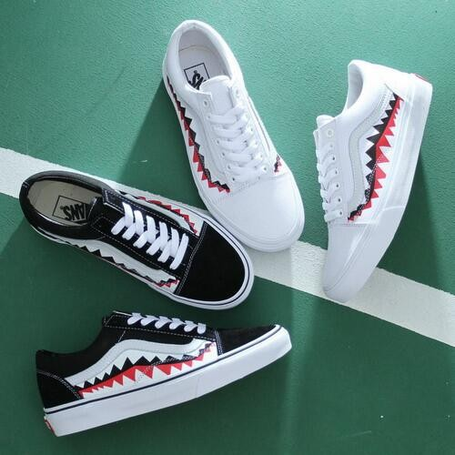 437e42ff78c Bape x Vans OLD SKOOL VANS SHARK MOUTHS Shark Teeth Classic Shoes Black  White C