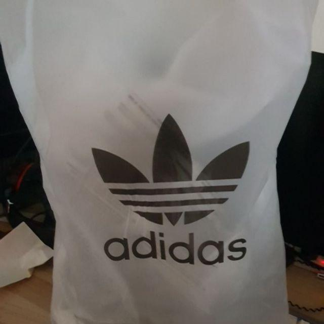c1540f6762ed Good quality product. The product came with the Dust Bag and original  adidas bag. The wording and the bag itself its good. Unscathed.