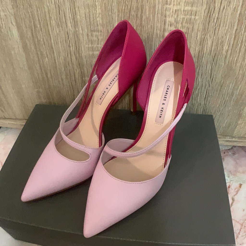 8bf7a8674f32 Charles & Keith block heels in navy size 39 | Shopee Singapore