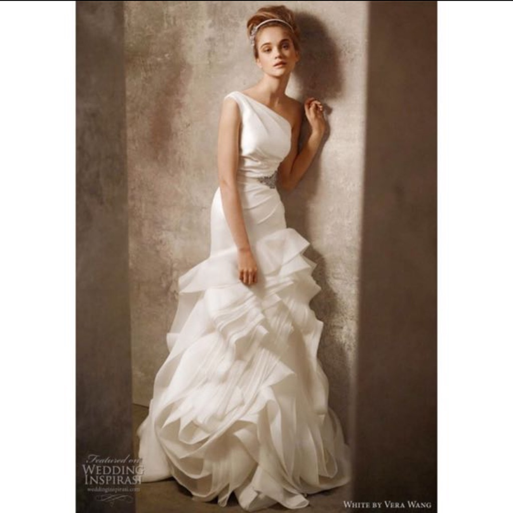 Vera Wang White By Vera Wang Wedding Gown