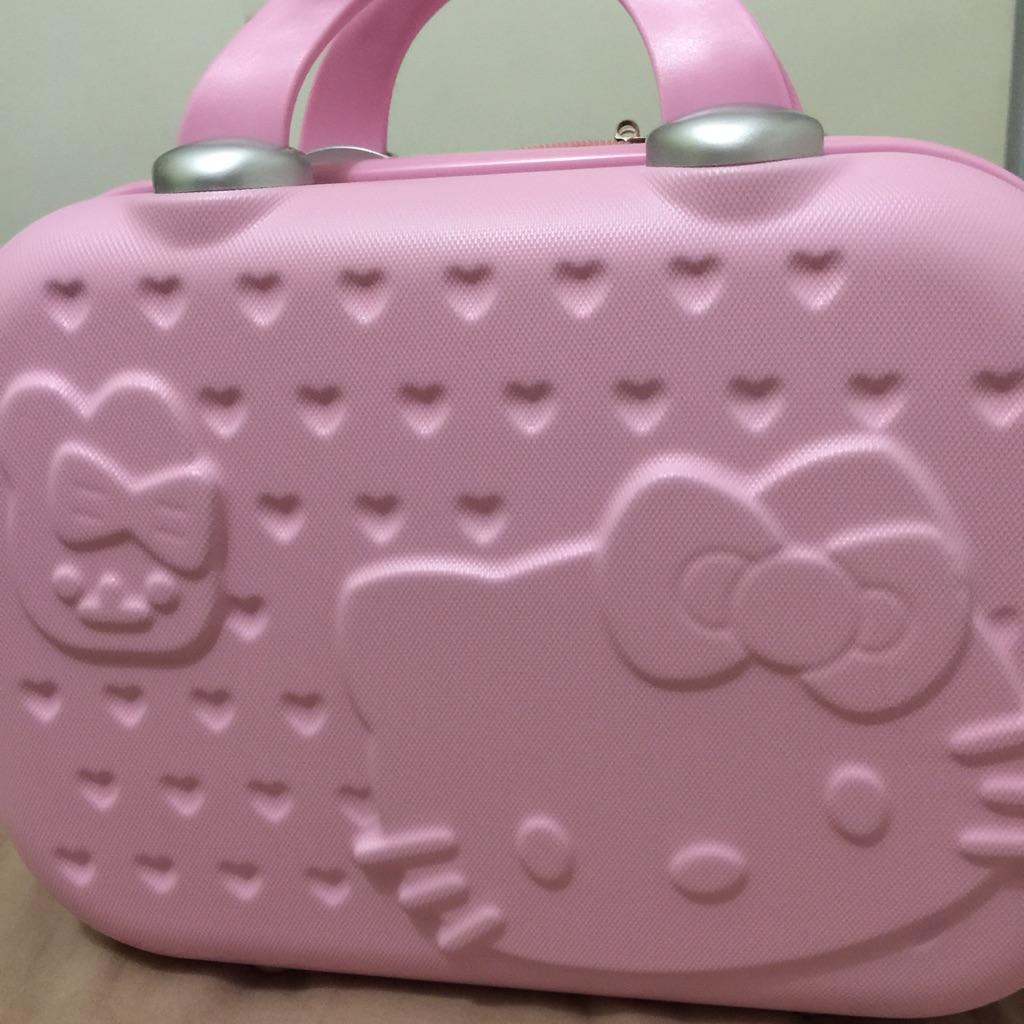 9c1b7ee46 BNWT Furla x Hello Kitty Metropolitan Bag | Shopee Singapore