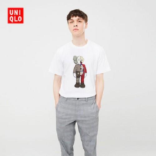 KAWS X Uniqlo UT Cartoon Pattern T shirt Men Women's Short Sleeved Couple Shirt