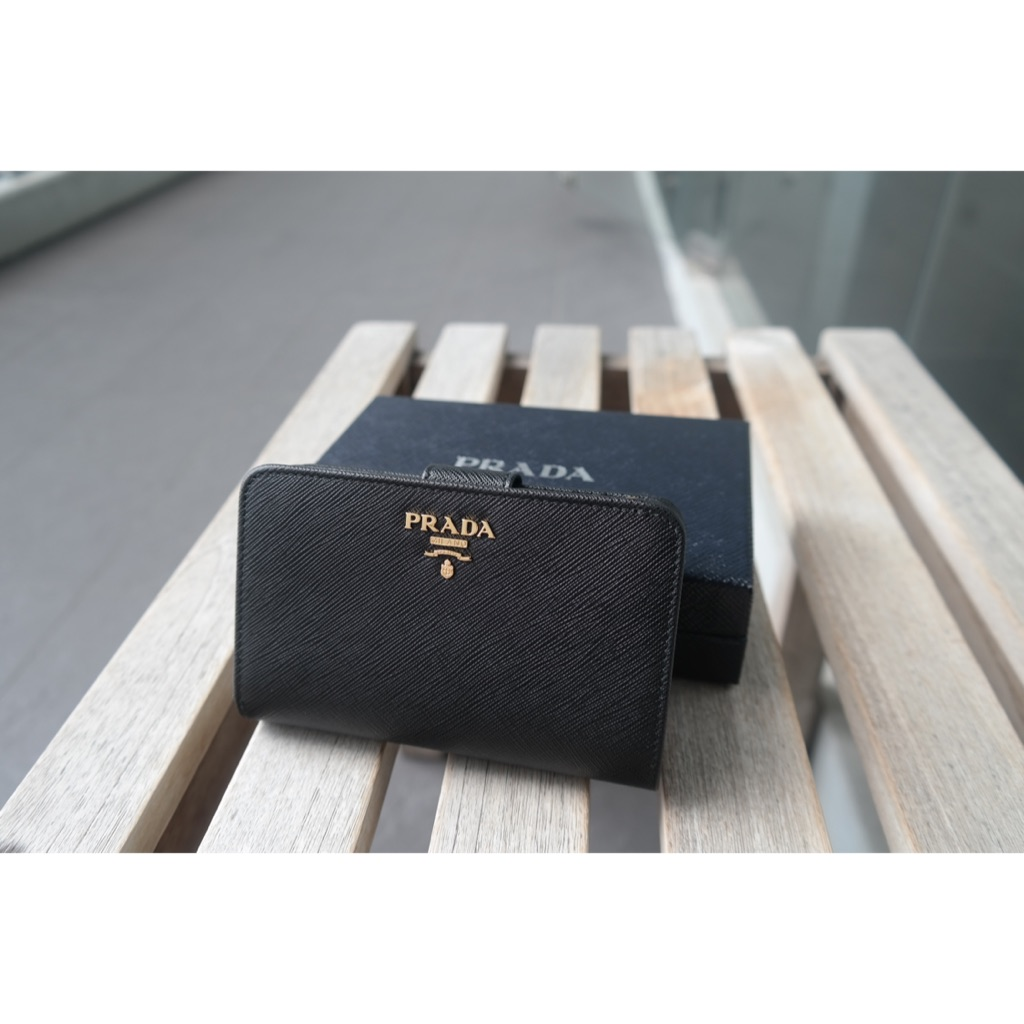 c81c83827f2 Tory Burch Perry Wallet