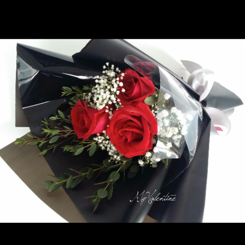 Blue Roses Hand Bouquet / Blue Kenya Rose | Shopee Singapore