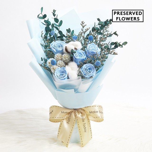 Fareastflora Com Preserved Blue Roses Flower Bouquet Zd05 True Blue Friend Shopee Singapore