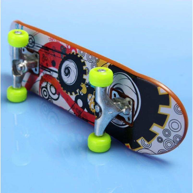 Finger Board Tech Deck Truck Skateboard Boy Kids Party Toy Birthday Gift dg