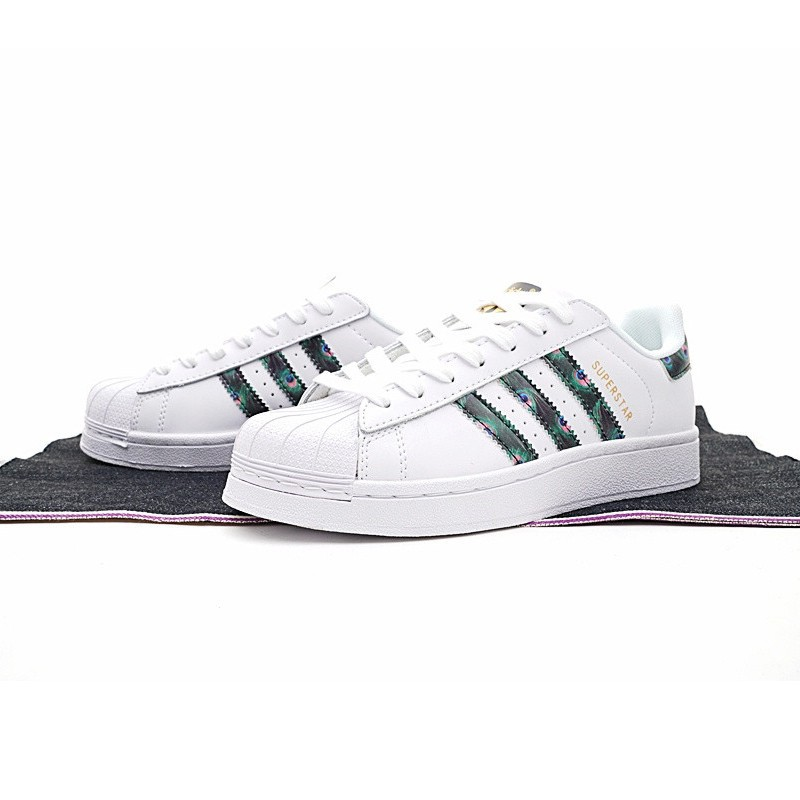 YM Adidas Clover Superstar Shell Head Gold Label Woman Skateboard Shoes  CP9388  3d97af4158f3