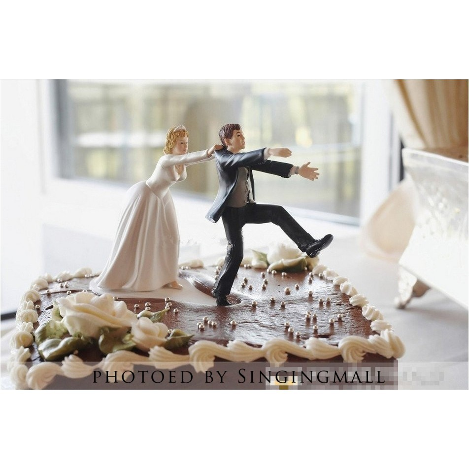 5a9714664fb3 Couple Figurine Wedding Cake Topper Bride Groom Resin Stand Topper  Accessories