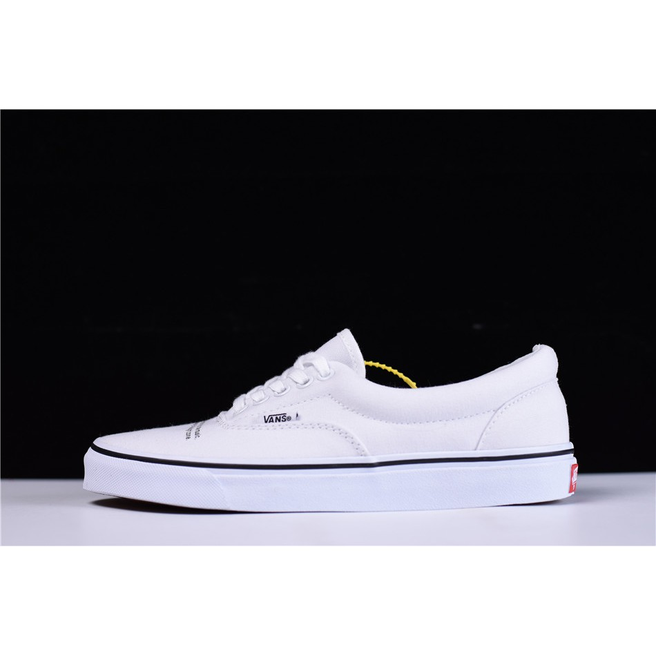UNDERCOVER x Vault by Vans Skateboarding Shoes men s women s Canvas Shoes  5b5c113a8763