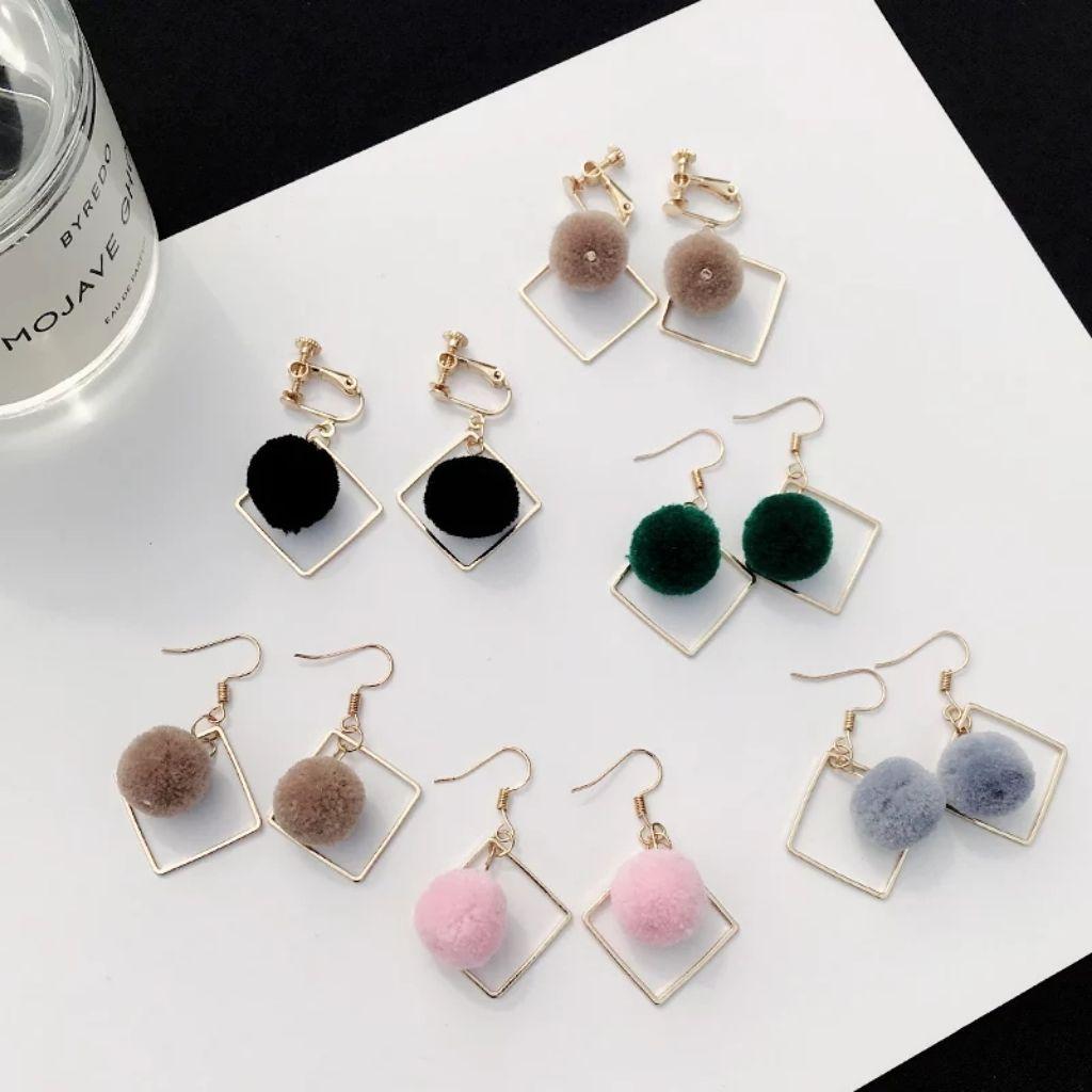 ad20bacf620e3 【Clip On/Ear Hook】 Fur Balls Earring